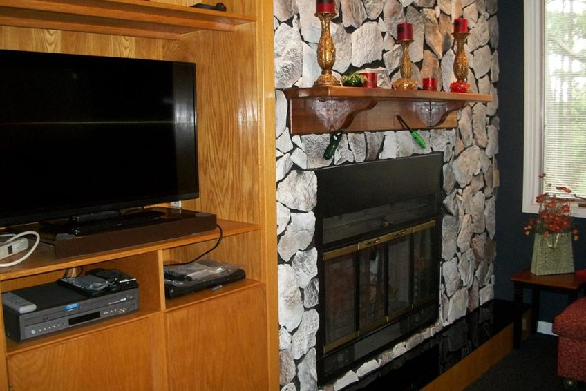 2 large TVs - Cable - DVD - Hidden Oasis Retreat
