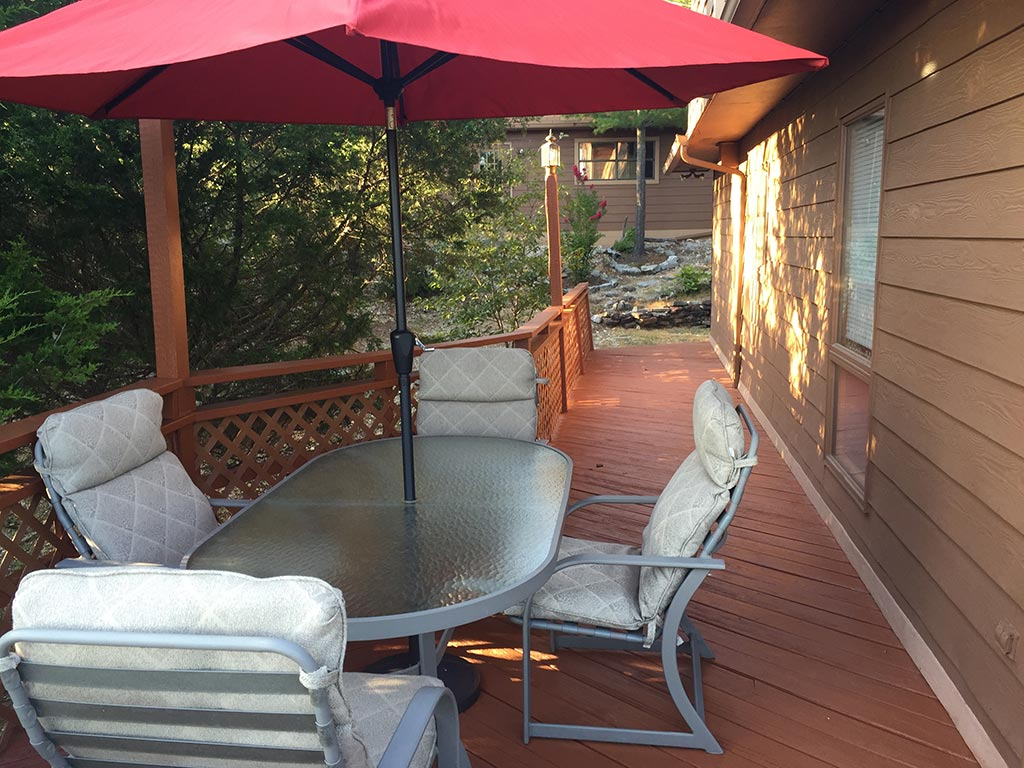 Beaver Lake Retreat Deck Furniture