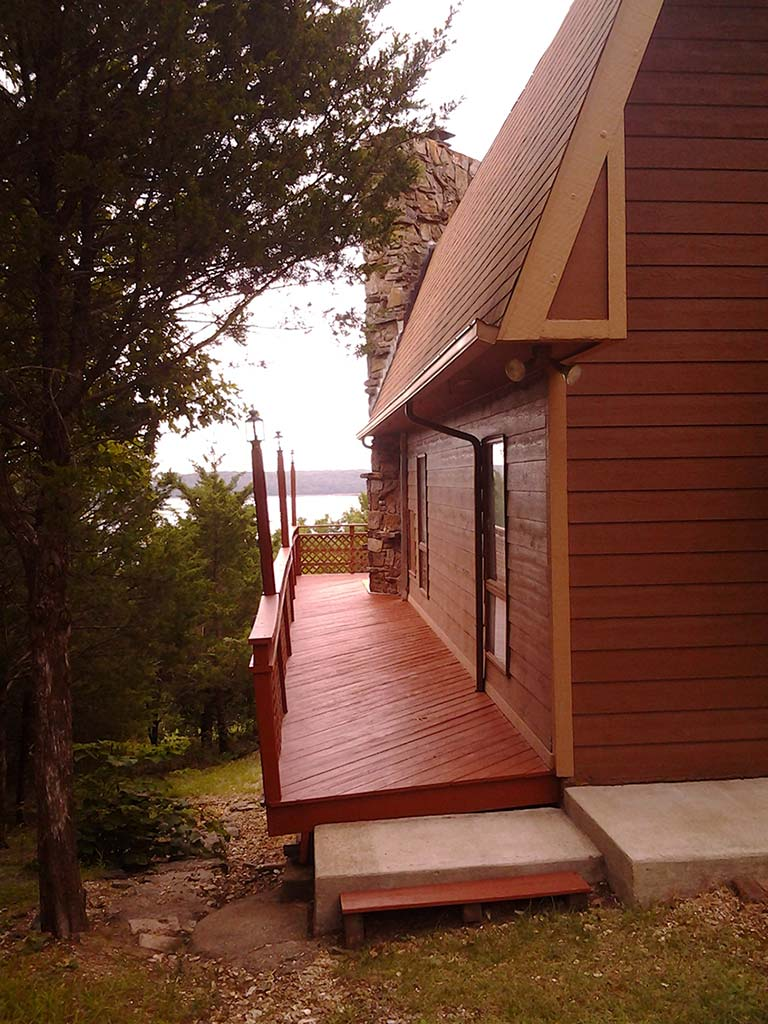 Beaver Lake Retreat Porch