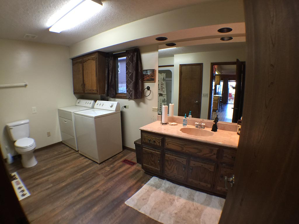 Beaver Lake Retreat Washer Dryer