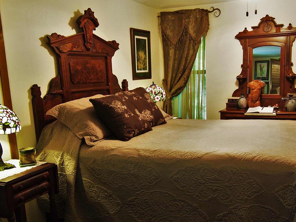 Clifside Suite Queen Bed