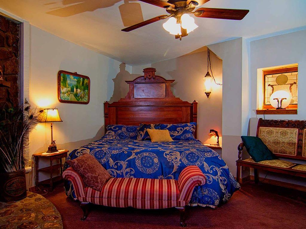 Memories Suite King Bed