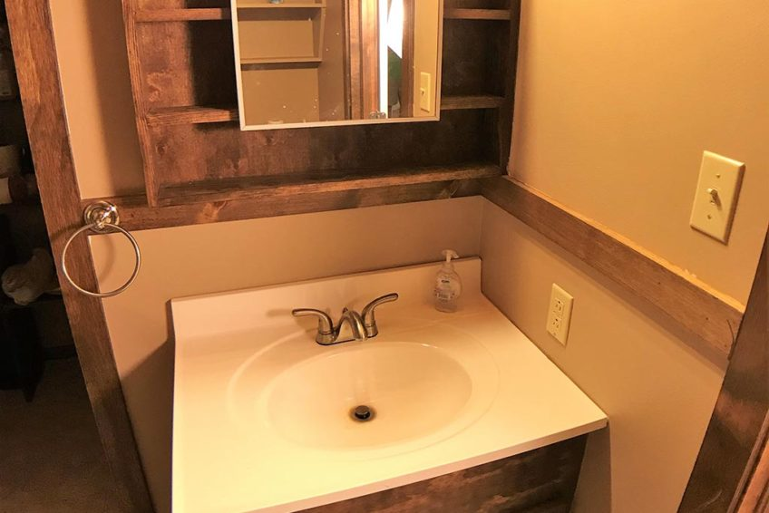 Buck Ridge Cabin Bath Vanity
