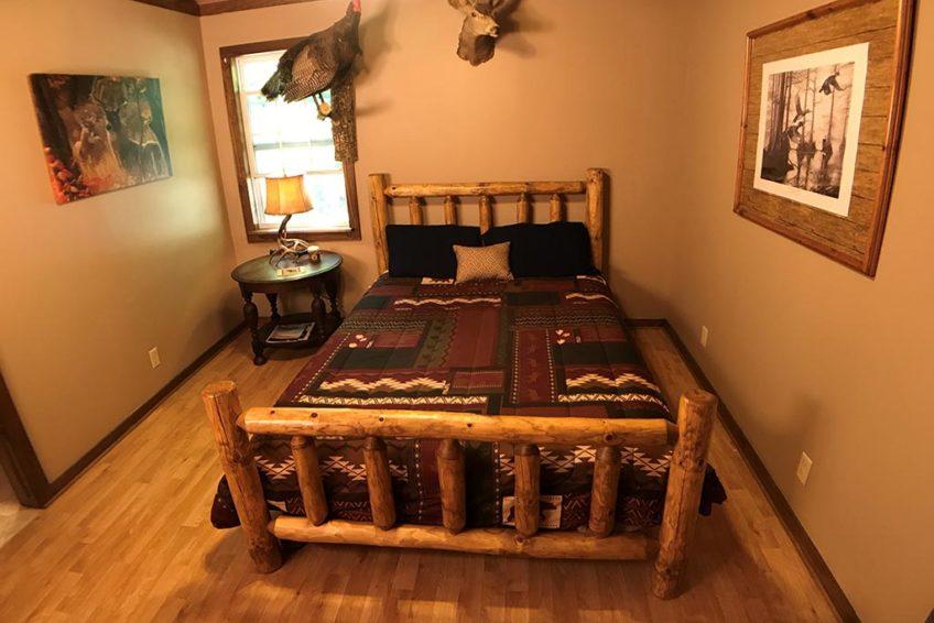 Buck Ridge Cabin Bedroom