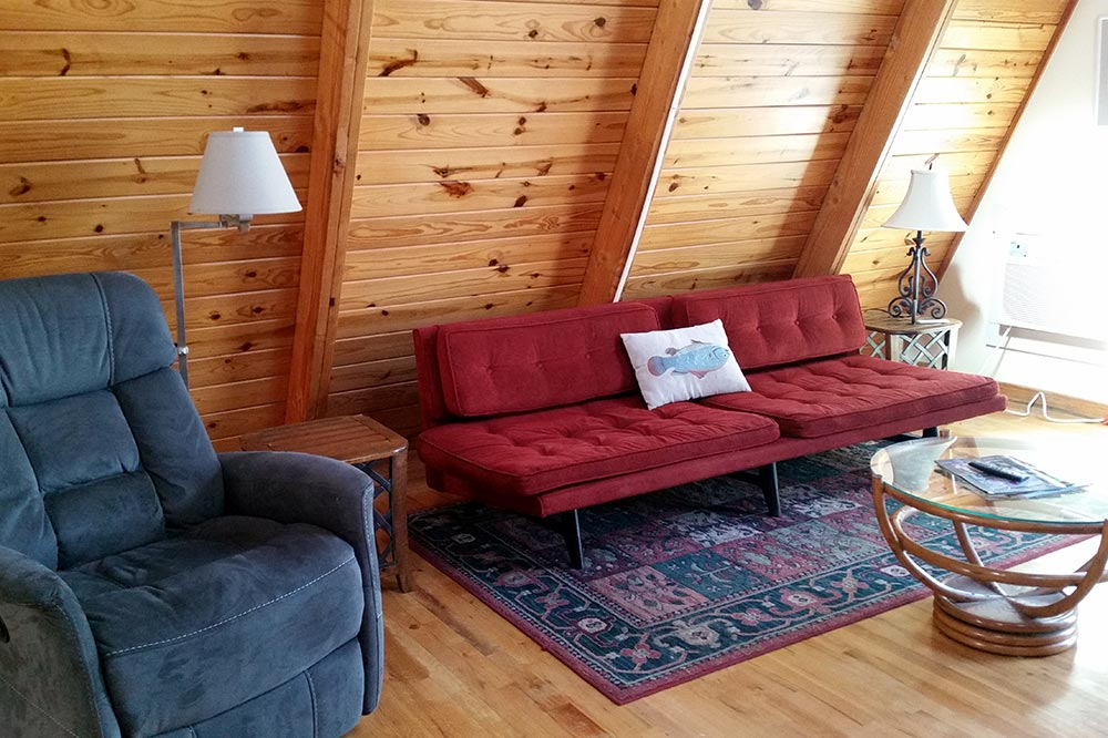 Cabin Kingfisher 2 Living Room