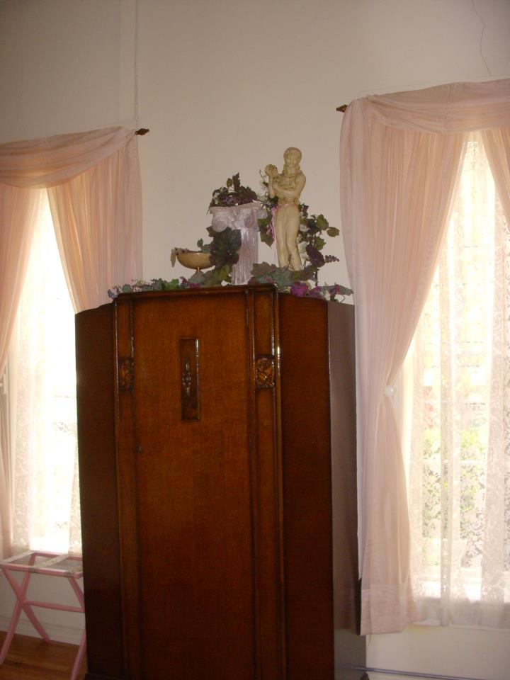 Brownstone Inn Garden Suite Cabinet