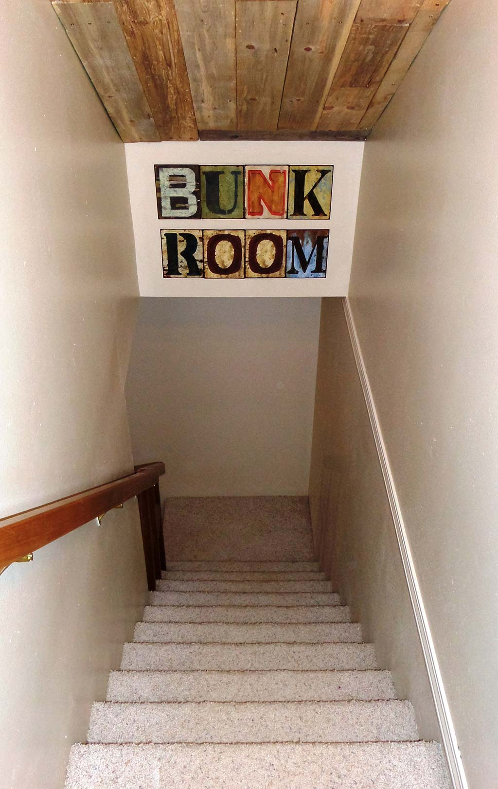 Ridgeview - Stairs Down to Bunk Room