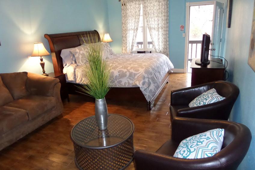Bella Paradiso Condo 8 - Living Room Bedroom