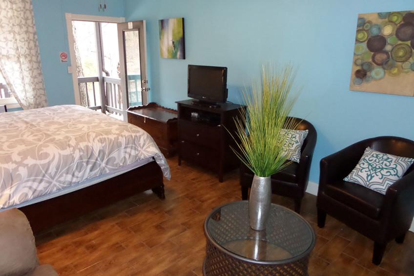 Bella Paradiso Condo 8 – TV Living Room