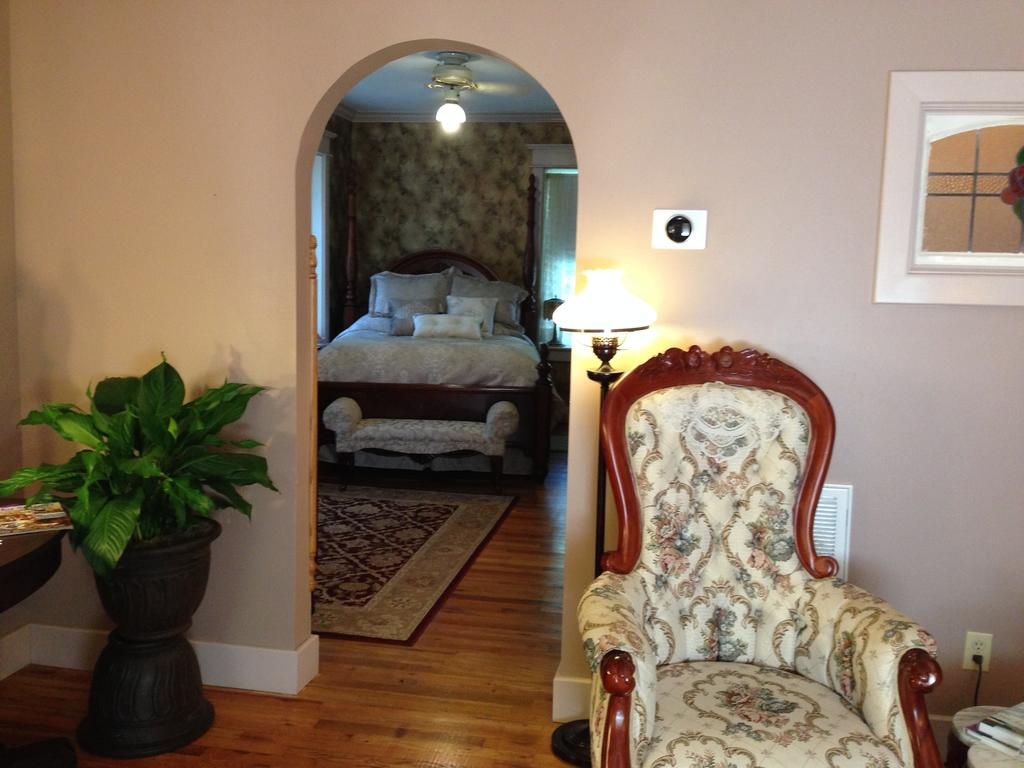 Brownstone Inn Spring Suite Bedroom