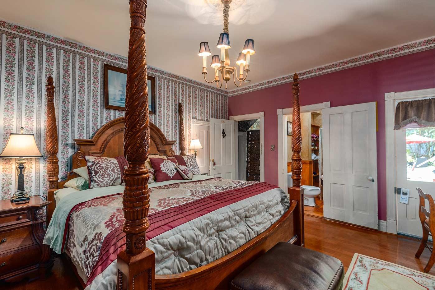 Captain Bridgeford Room King Bed