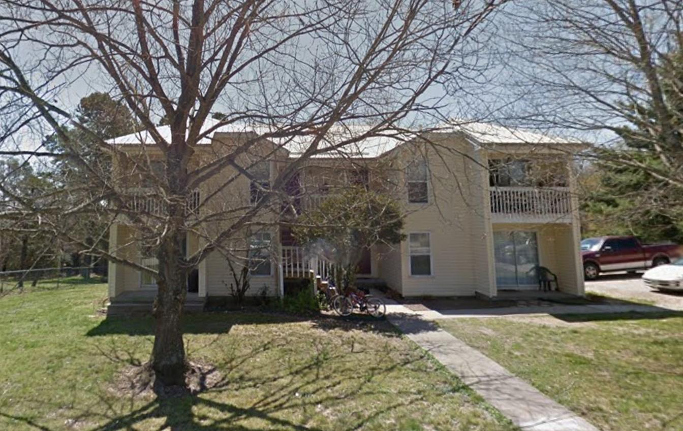 2 bedroom apartment Eureka Springs Arkansas
