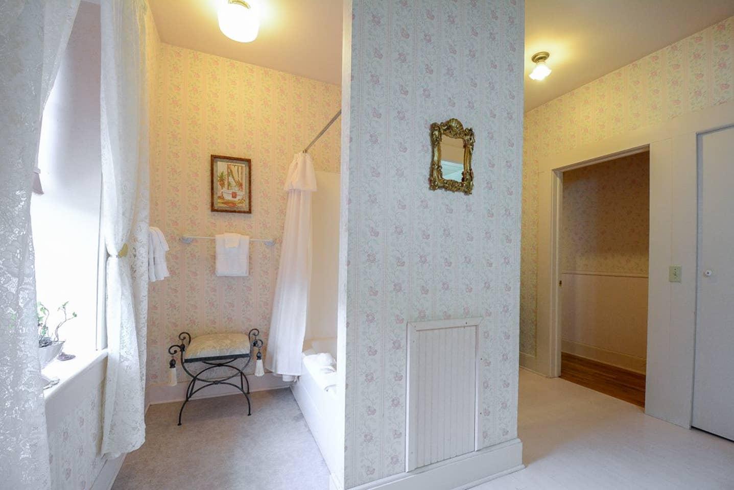 Brownstone Inn Penthouse