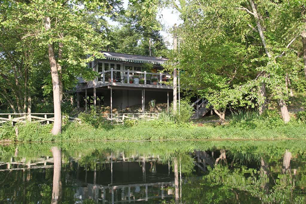 Waterside Cottage- Lake Lucerne