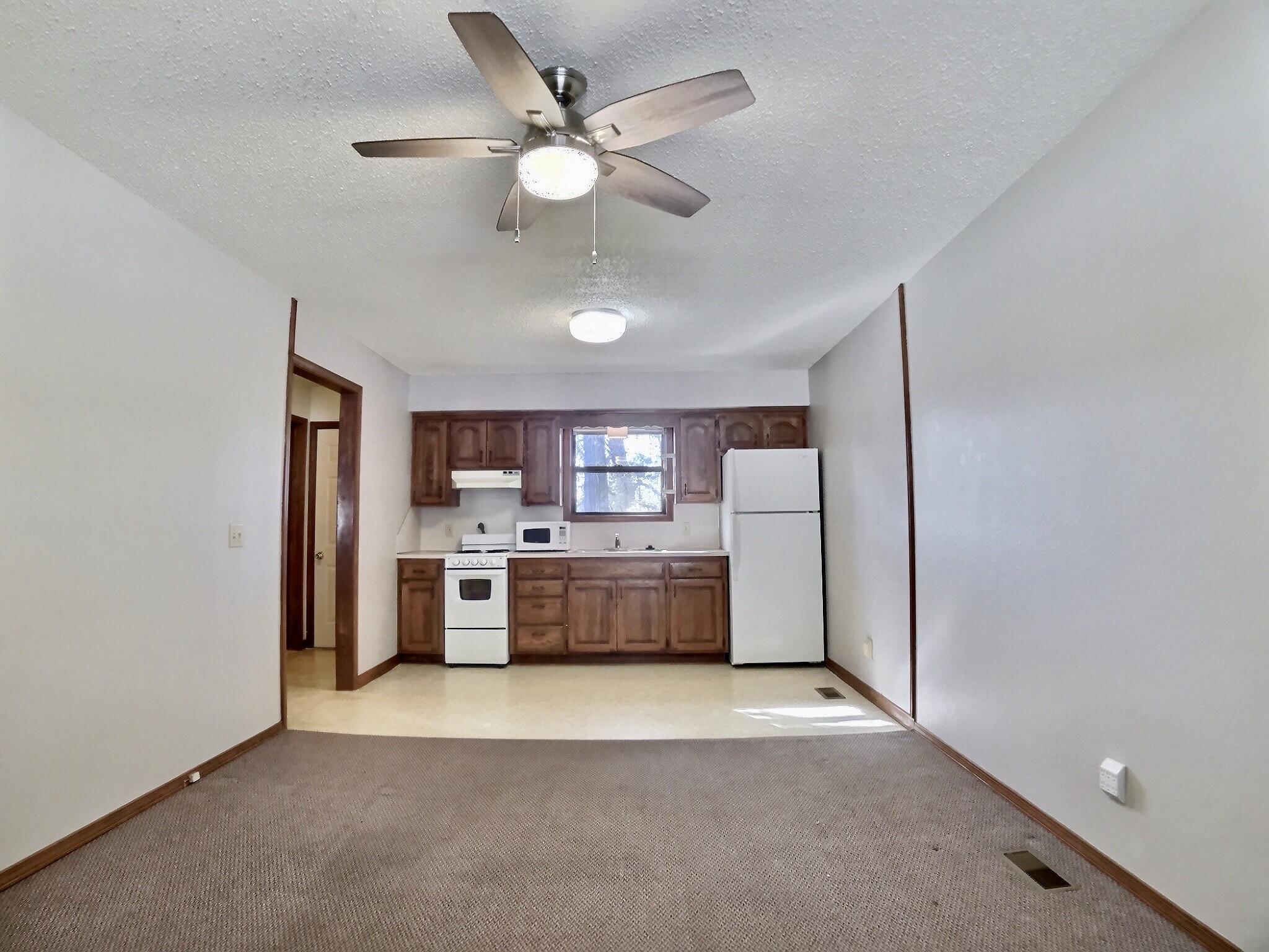 Kenwood - Living Room - kitchen