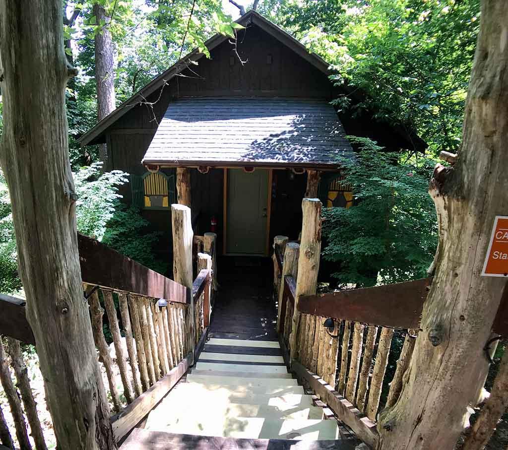Oak Crest 11 Chateau Treehouse