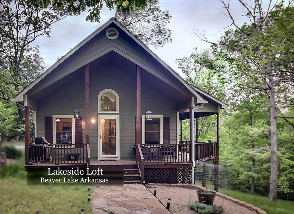 Lakeside Loft Front