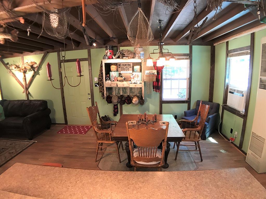 Buck Ridge Cabin Dining