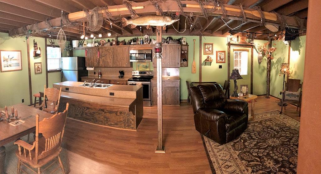 Buck Ridge Cabin Full Room