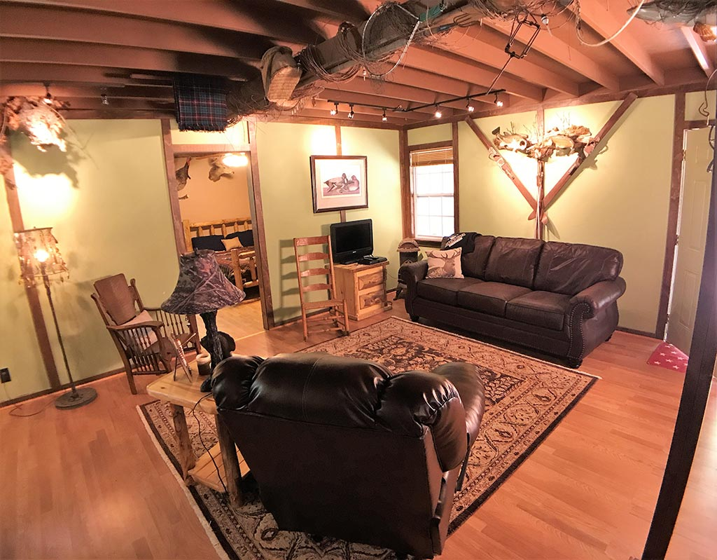 Buck Ridge Cabin Living Room