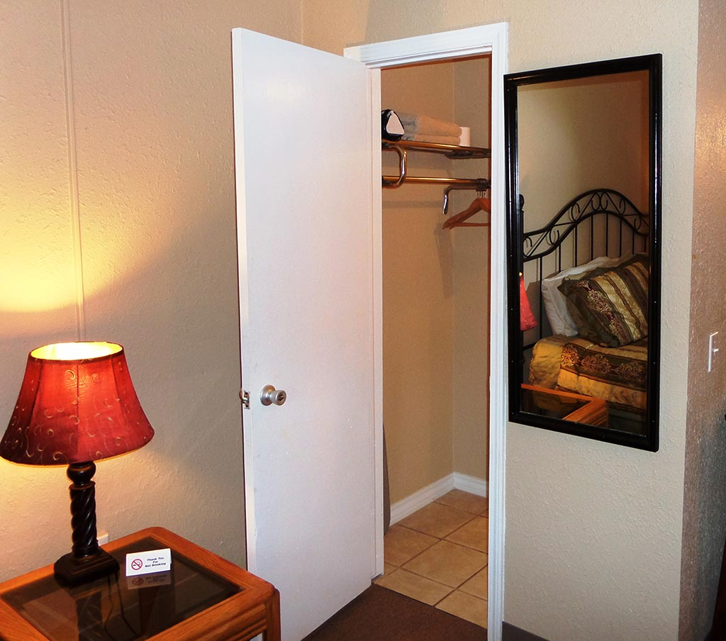 Eureka Suites Studio Apartment