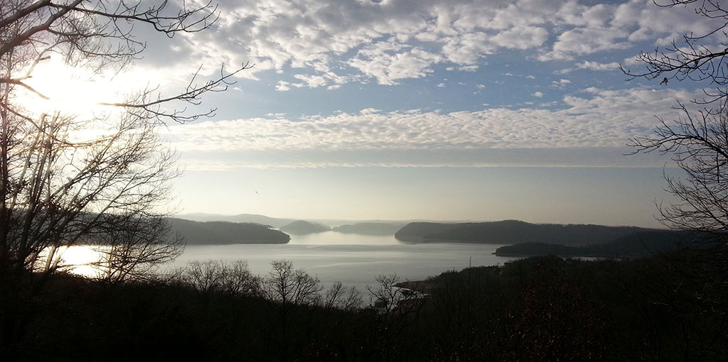 Ridgeview - Early Beaver Lake View