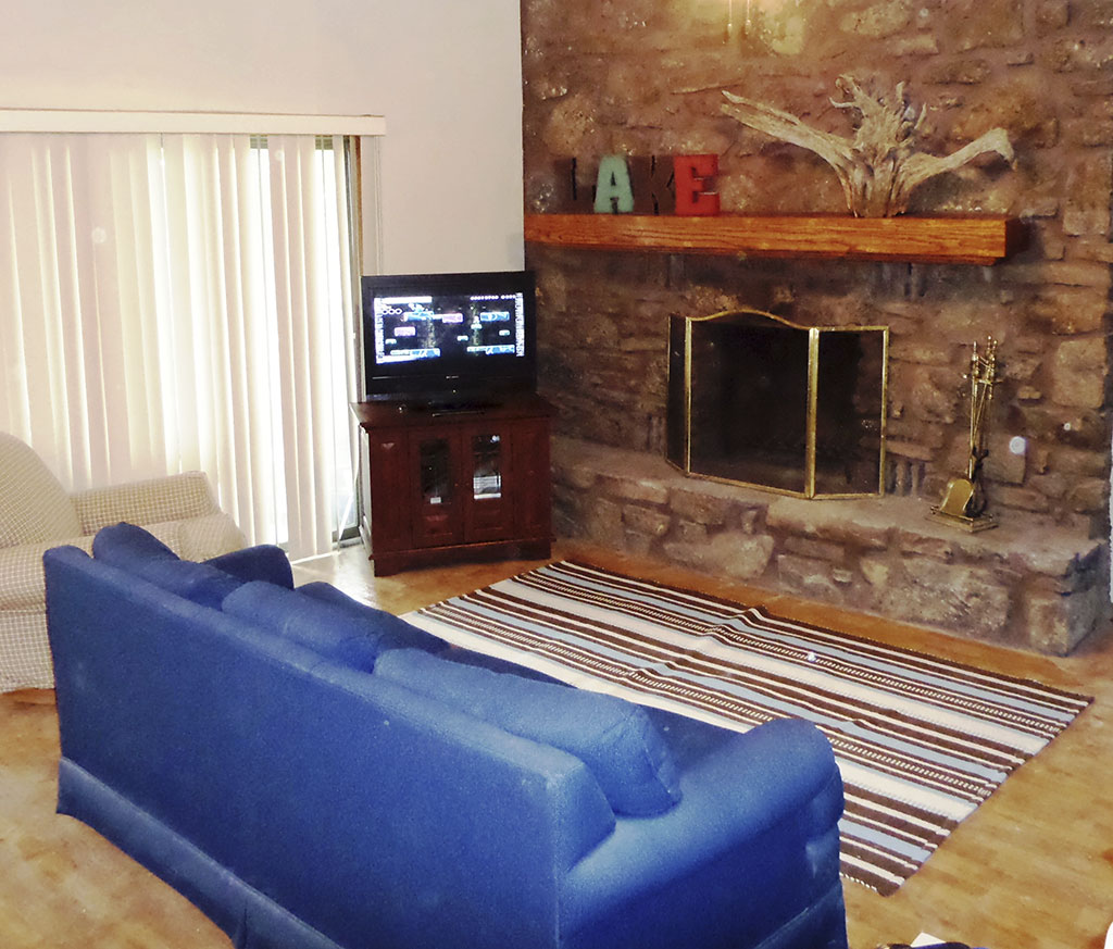 Ridgeview - Downstairs Fireplace & Games Room
