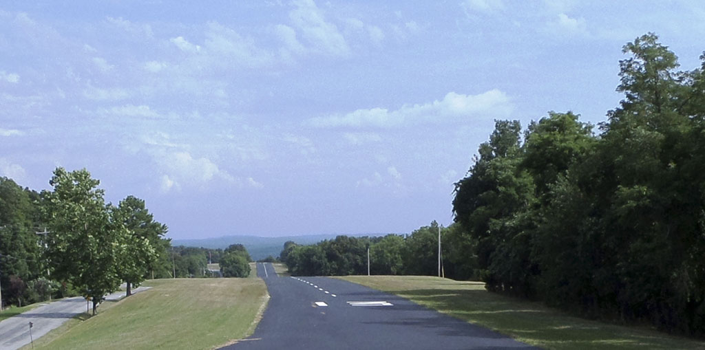 Ridgeview - Lost Bridge Village Landing Strip