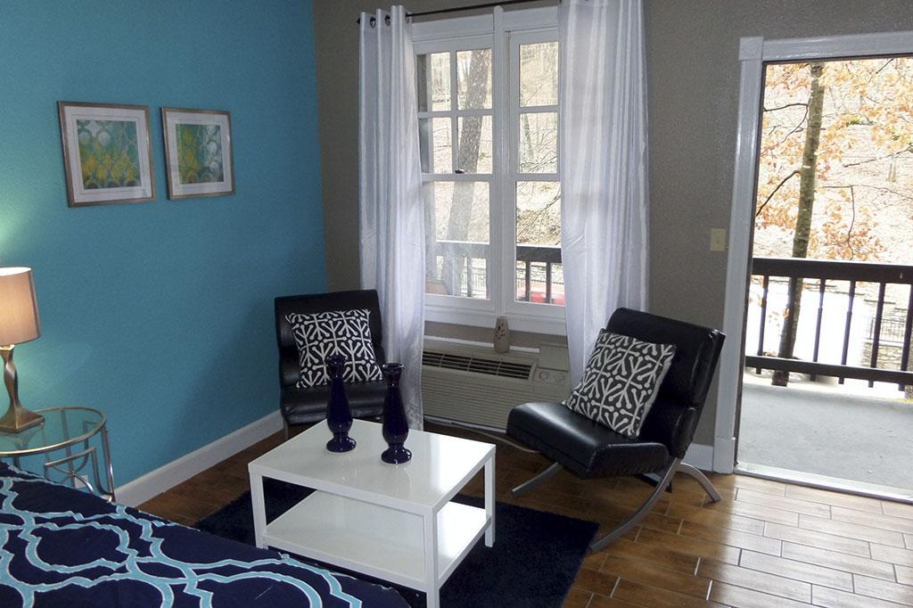 Bella Paradiso Condo 6 - Living Room